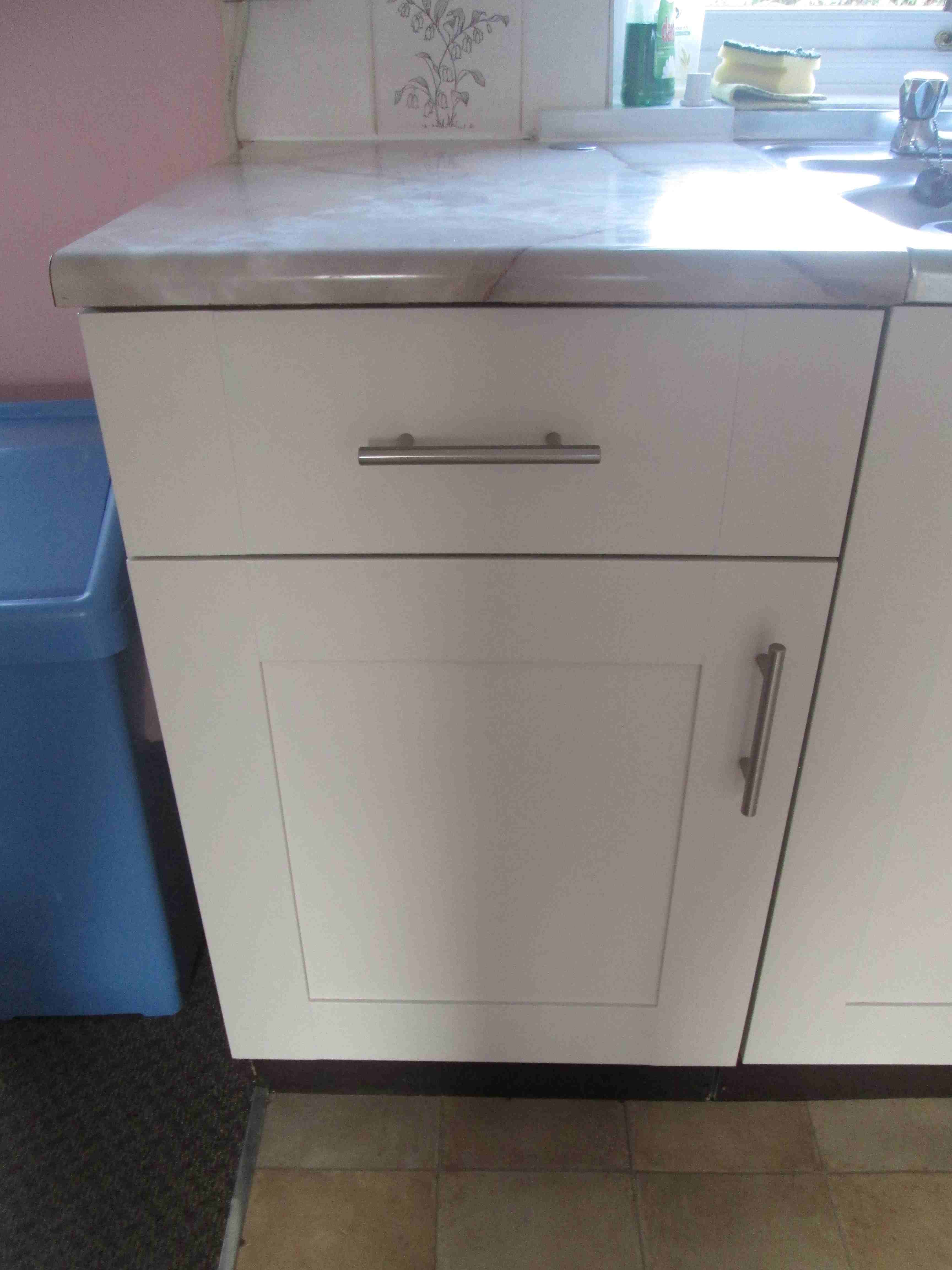 Kitchen drawer base units - Once We Owned The House We Took Out The Tall Larder Unit And Replaced It A 300mm Wide Base Unit The Only Base Unit In The Consignment And Widened The